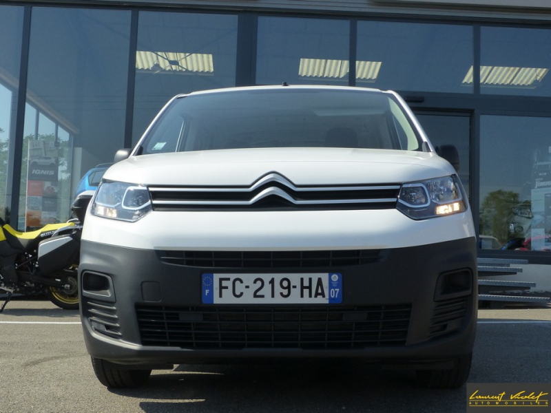 Photo 2 de l'offre de CITROEN Berlingo VUL M 1.6 hdi 75 Club -33% à 19000€ chez Automobiles Laurent Violet