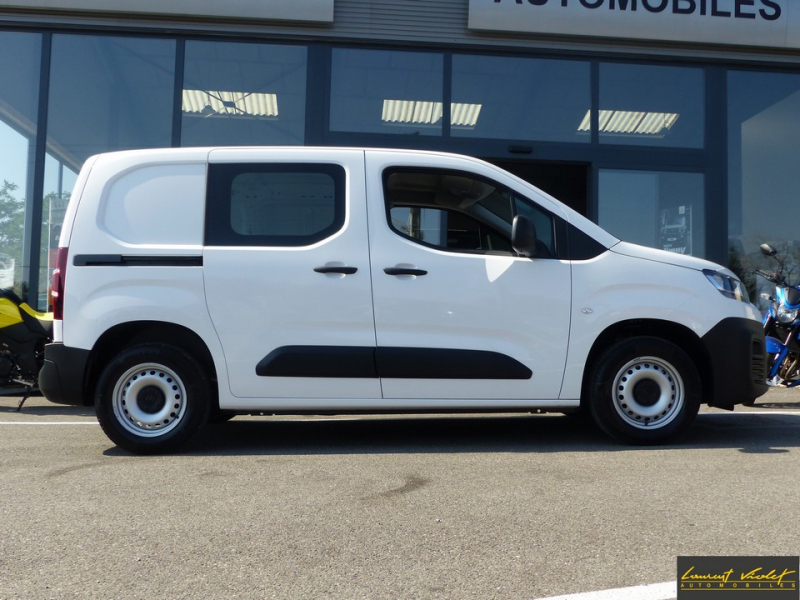 Photo 4 de l'offre de CITROEN Berlingo VUL M 1.6 hdi 75 Club -33% à 19000€ chez Automobiles Laurent Violet