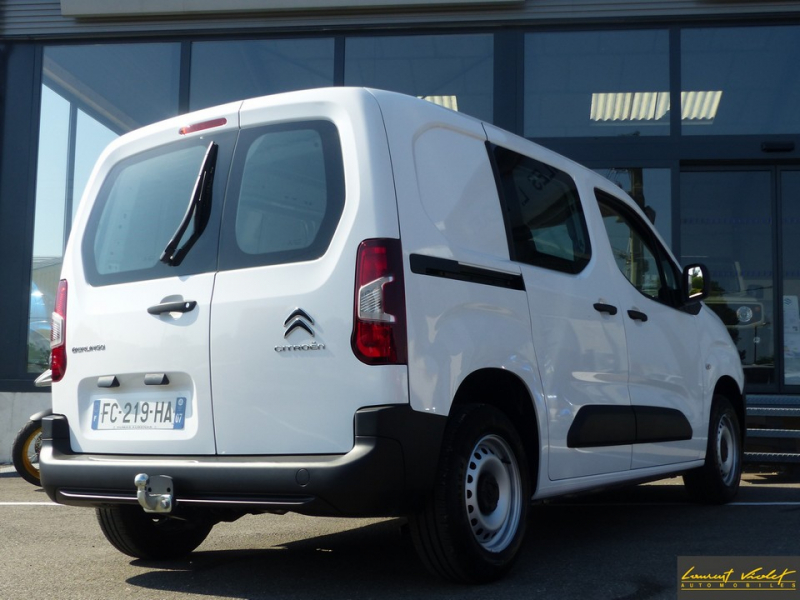 Photo 5 de l'offre de CITROEN Berlingo VUL M 1.6 hdi 75 Club -33% à 19000€ chez Automobiles Laurent Violet